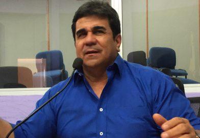 'Se le acabó el discurso moralista a Rodrigo Lara': Roberto Escobar.