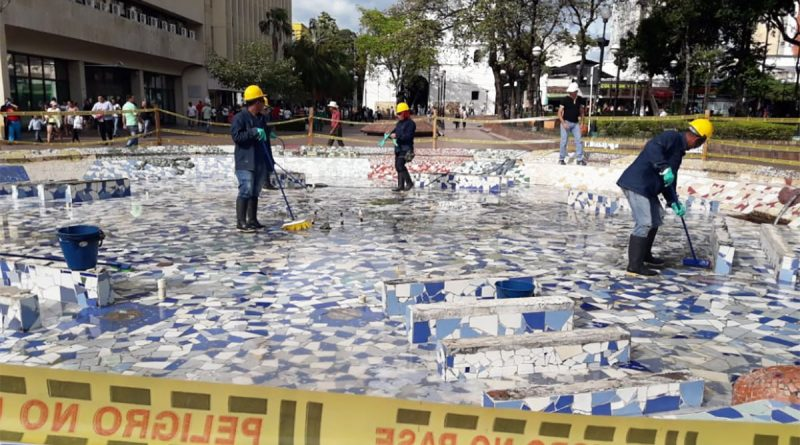 Por fin !!! pilas de agua de parques Santander y Plaza Cívica serán recuperadas.