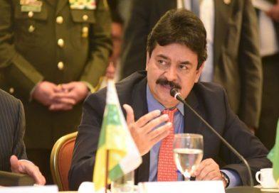 Exgobernador del Huila podría ser el nuevo Ministro de Salud
