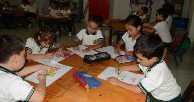 Niños de bajos recursos contarán con servicios de restaurante y transporte escolar