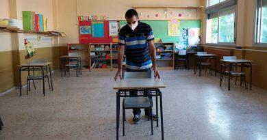 Colegios públicos y privados deberán esperar para regresar a las aulas.