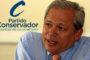 Senador Andrade tendría en crisis financiera y líos laborales al Partido Conservador.