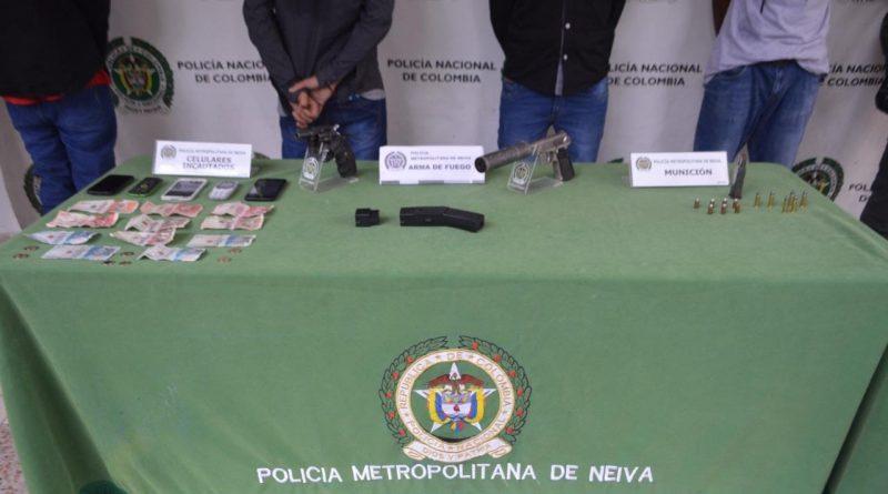 Delincuentes capturados con dotación de armas de fuego